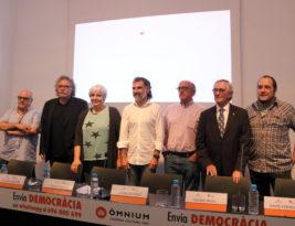 Entrenats per a lluitar, el lloc dels comuns i el 696 000 699: crida per la democràcia d'Òmnium